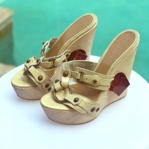 Alexander McQueen cream leather platform heels